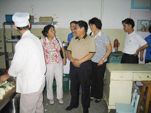 厅机关幼儿园检查安全卫生工作