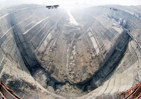 溪洛渡水电站大坝基坑和水垫塘开挖全部完成