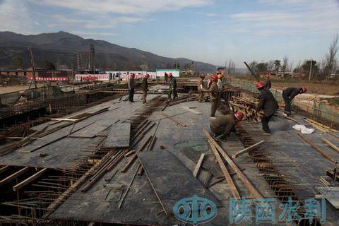 引水工程东起石头河水库斜峪关水电站前池,西至宝鸡市高新区文兴路.