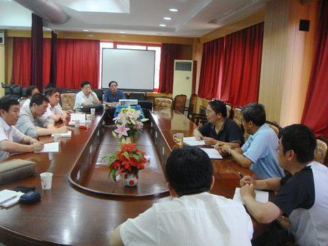 葫芦岛市人大常委会常务副主任李怀瑜,市水利局局长王维仲一行9人