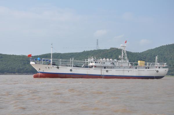 宁波市两艘新型远洋渔船昨赴西北太平洋作业